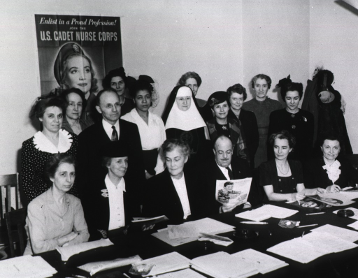 <p>Group photo of the Board of Directors of Public Health Nursing, Arpil 1944.</p>