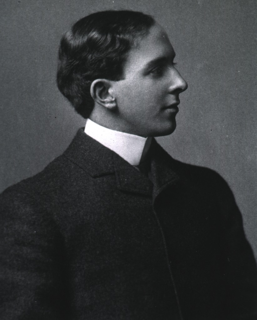 <p>Right profile, at age 21.</p>