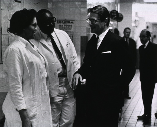 <p>Elliot Richardson meets with Nutrition Dept. employees during his visit on March 16, 1971.</p>