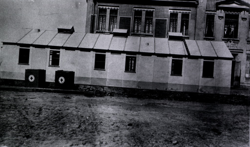 <p>An exterior view of the Duckor Ward at a German Red Cross Hospital.</p>