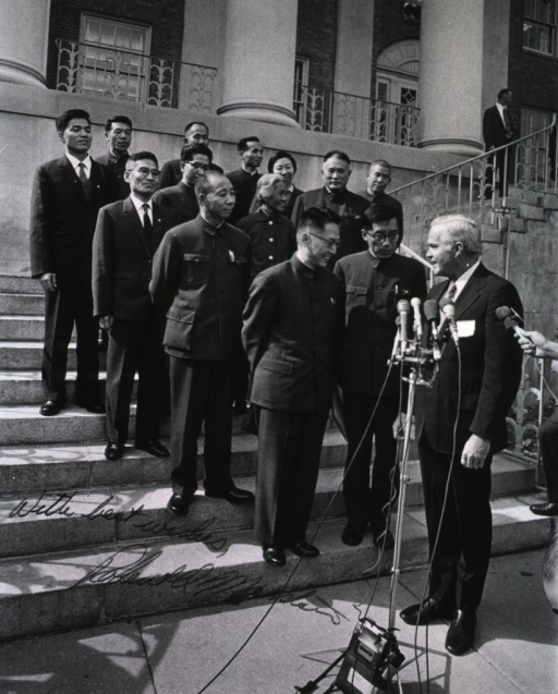 <p>Dr. Robert Marston meets with the Chinese delegation from the People's Republic of China.  The delegation has gathered for a group photo.</p>