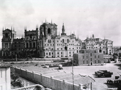 <p>Long distance view of the complex of ornate buildings serving as the hospital.</p>
