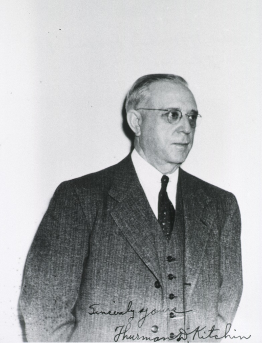<p>Half-length, right pose; wearing glasses.</p>