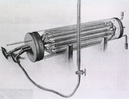 <p>An early hemodialysis, or &quot;vividiffusion&quot;, unit.</p>