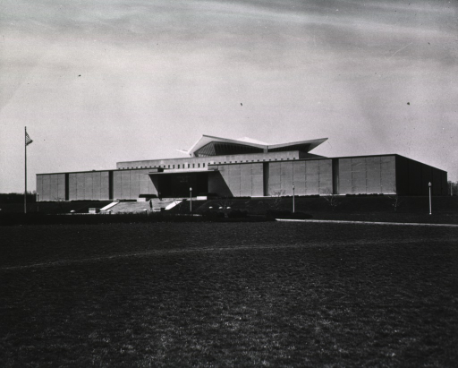 <p>Exterior view of the hyperbolic paraboloid form: front and north side.</p>