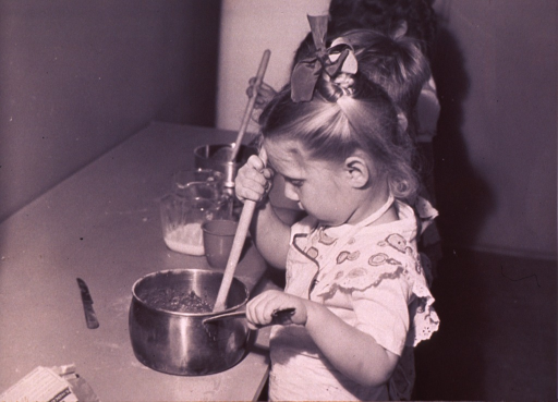 <p>Children in a cooking class.</p>