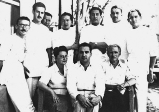 "Dr. Jacinto Convit and collaborators at the Leprosy Clinic of ""Cabo Blanco"" (Image: Jacinto Convit Foundation)."