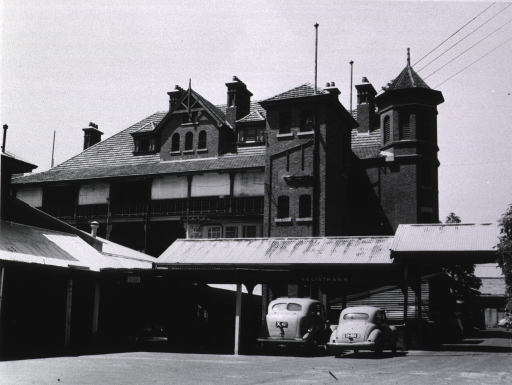 <p>Royal Perth Hospital.  Exterior view of old building.</p>