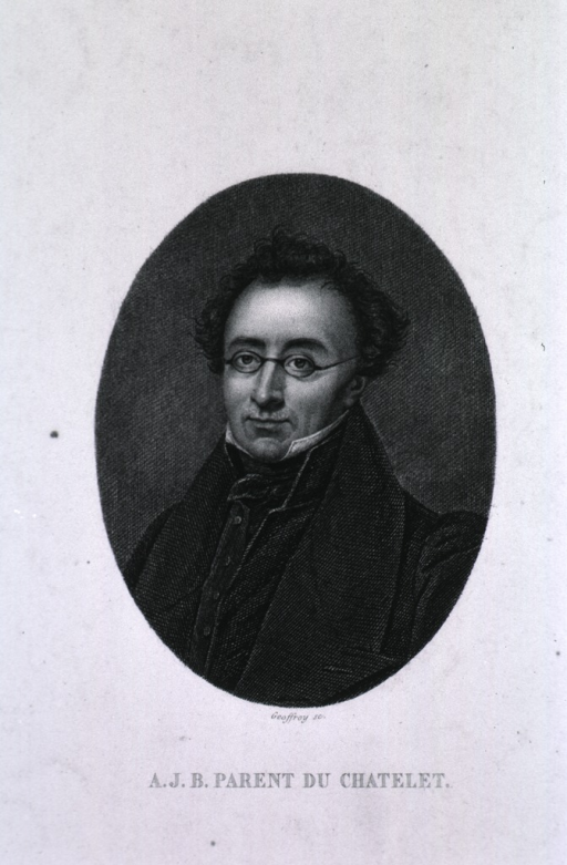 <p>Head and shoulders, left pose, wearing glasses.</p>