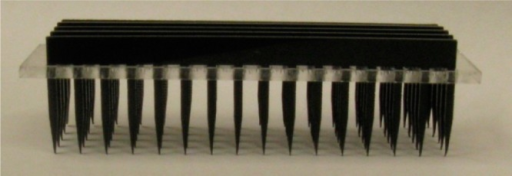 Pin tool used for deposition of material onto a μPIHn plate.