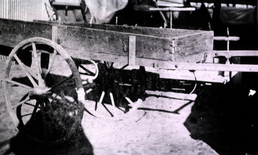<p>A view of a handcart for carrying patients.</p>