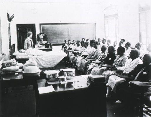 <p>Class session at the Tallahassee Midwife Institute, August 1933.</p>