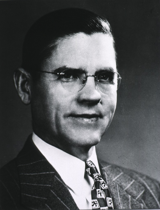 <p>Head and shoulders, right pose; wearing glasses.</p>