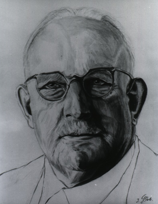 <p>Head, full face, wearing glasses.</p>