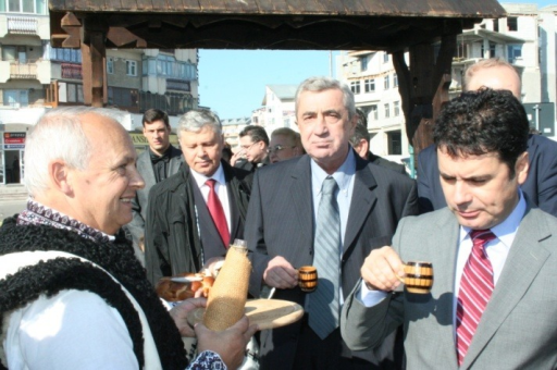 "The visit of the participants to the ""Apple Festival"" in the central market of Falticeni town"