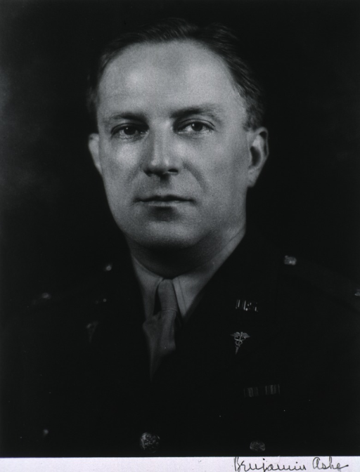<p>Bust, full face, uniform.</p>