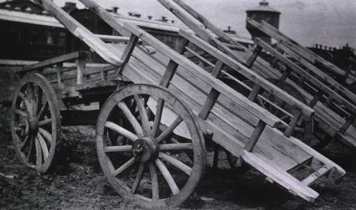 <p>A view of Russian drays (carts).</p>