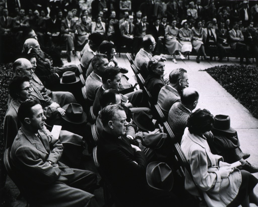 <p>Partial view of audience.</p>