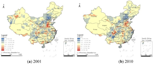 Maps of standardized residuals from the GWR model in China for the years (a) 2001 and (b) 2010.