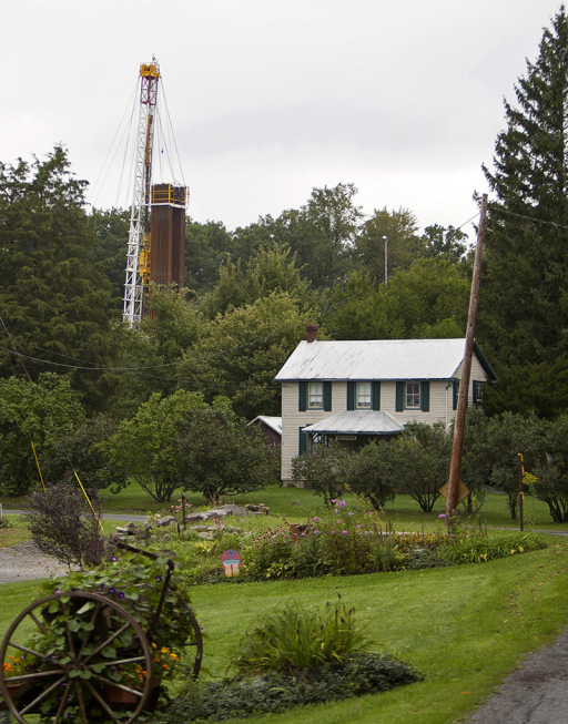 In heavily drilled areas like the Marcellus Shale region, fracking activities often take place near homes and workplaces.© Robert Nickelsberg/Getty Images