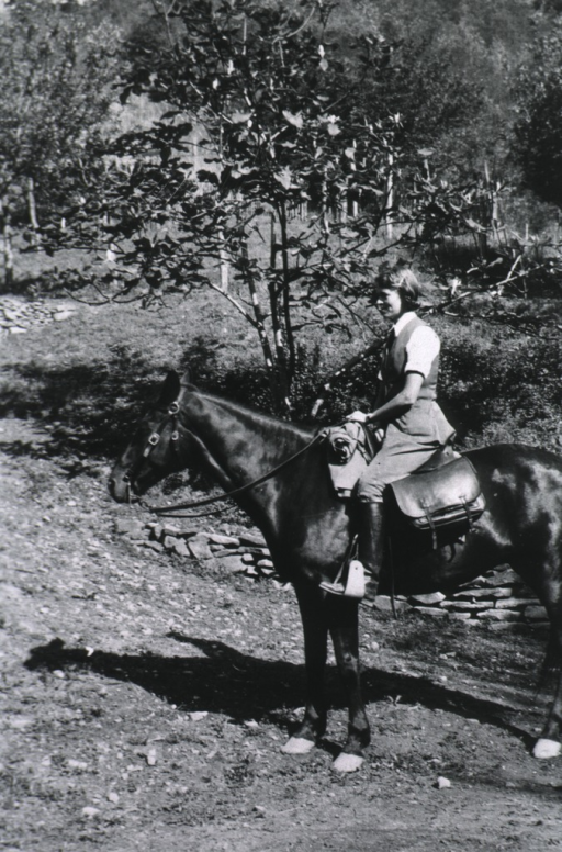 <p>Peggy Elrington on horseback.</p>
