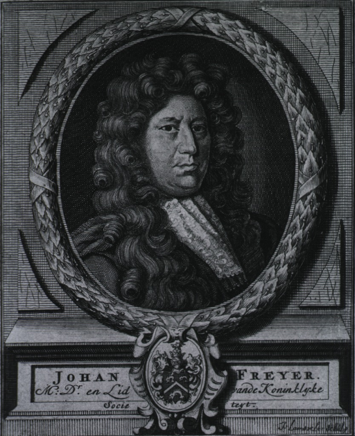 <p>Head and shoulders, right pose, full face, showing coat-of-arms.</p>