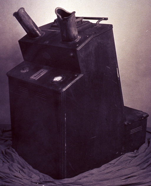 <p>A fluoroscope used in a shoe store, ca. 1930.</p>