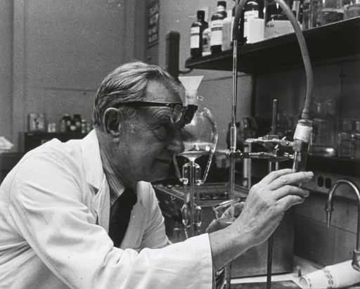 <p>Head and shoulders, right pose, in laboratory.</p>