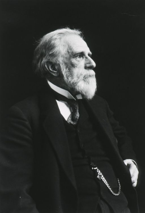 <p>Right pose, as an old man.</p>