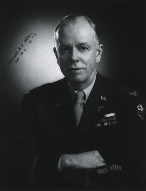 <p>Bust, full face, arms crossed, uniform, colonel.</p>