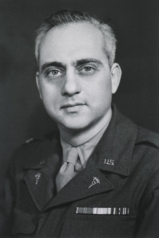 <p>Head and shoulders, fullf face; in uniform, M.C.</p>