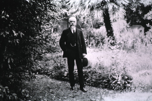 <p>Showing Prof. Fano in the garden behind his laboratory, in Florence, Iatly.</p>