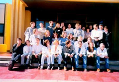 "Students and faculty from Mexico, Uruguay, South Africa,Peru, Argentina, Chile, Portugal, Cuba, and Germany attending the UNESCO ICRO-IBRO-TWAS Postgraduate Course on ""Spectroscopic andPhysiological Approaches to Neurobiology"" May–June, 2000."