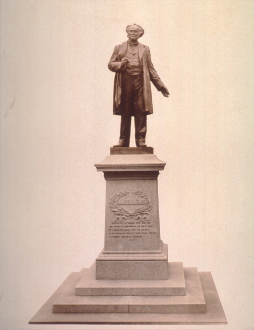 <p>Statue- full length, front view.</p>