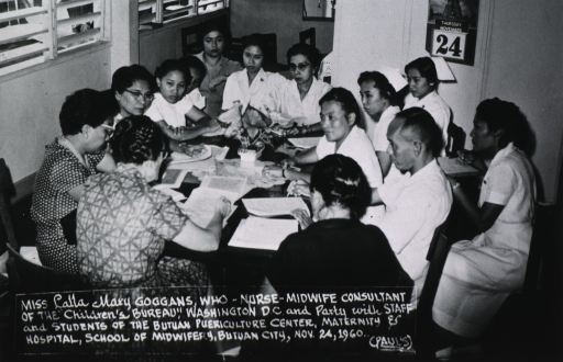 <p>Miss Goggans meeting with staff and students of the Butuan Puericulture Center, Maternity and Hospital, School of Midwifery, Butuan City, 1960.</p>