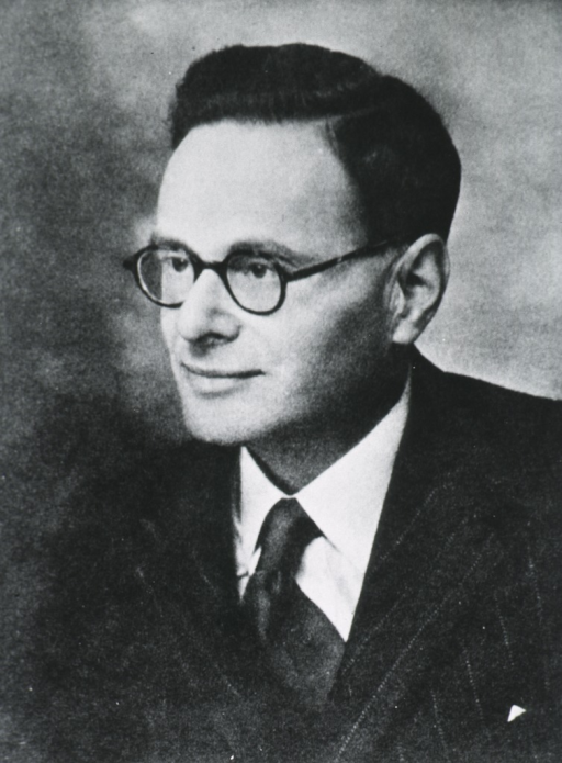 <p>Head and shoulders, left pose; wearing glasses.</p>