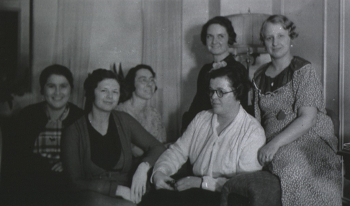 <p>Group photo.</p>