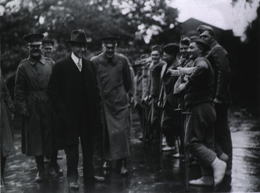 <p>Secretary Baker, General John Biddle, and General F.W. Winter greeting convalescing soldiers at Army Base Hospital no. 37, Dartford, England.</p>