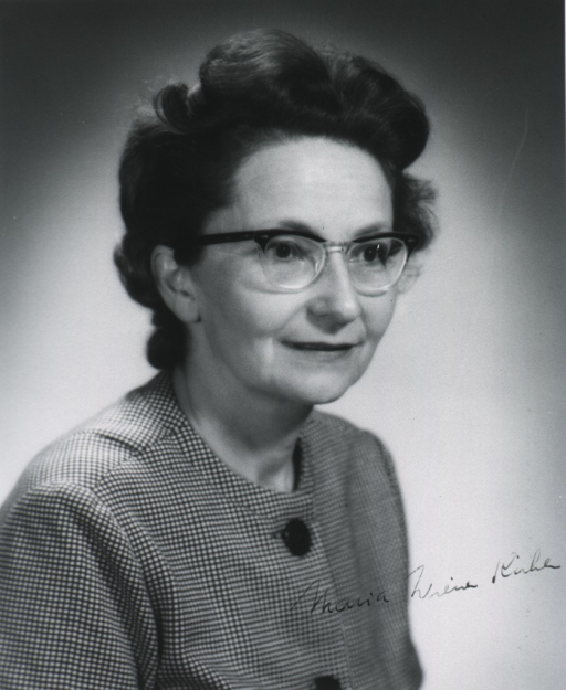 <p>Head and shoulders, full face, right pose; wearing glasses.</p>