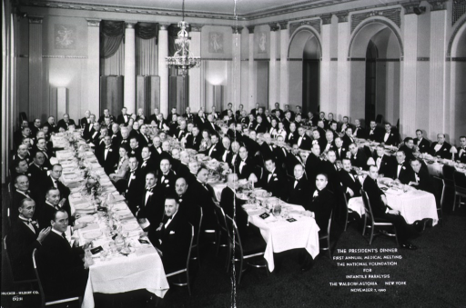 <p>View of the President's Dinner at the First Annual Medical Meeting, held at the Waldorf Astoria, New York, November 7, 1940.</p>