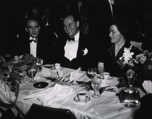 <p>View of the President's Dinner at the First Annual Medical Meeting, at the Waldorf Astoria, New York, November 7, 1940.</p>