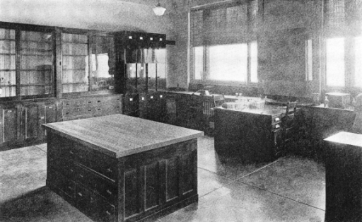Research Laboratory, 1924. Laboratory in the Department of Anatomy prior to the opening of the Sterling Hall of Medicine in 1925.
