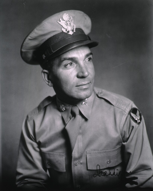 <p>Head and shoulders, right pose, wearing Medical Corps summer uniform.</p>