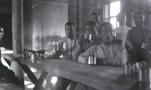 <p>Personnel of a samtarus tent hospital.</p>