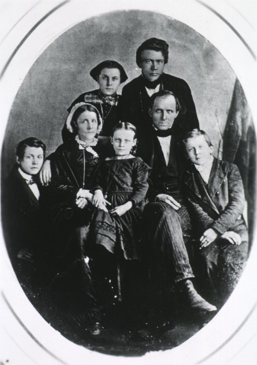 <p>Family group, showing Lazear, his wife and children; in oval.</p>