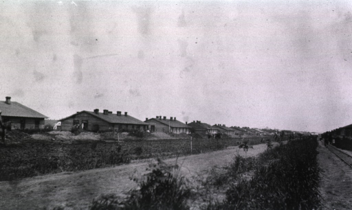 <p>A view of the street near the railroad tracks.</p>
