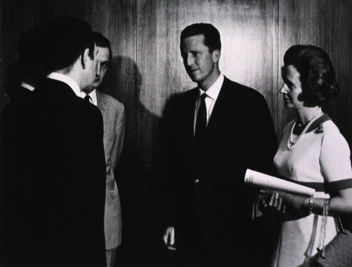 <p>The King and Queen of Belgium meet with various NIH staff during their visit.</p>