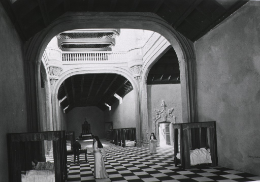 <p>Diorama of the interior view of the Hospital of Santa Cruz, Toledo in the 16th century, exhibited at the International Congress of the History of Medicine, Madrid, 1935.</p>
